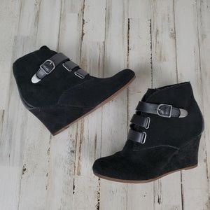 EUC Dolce Vita Preslee Suede Strapped Bootie sz8